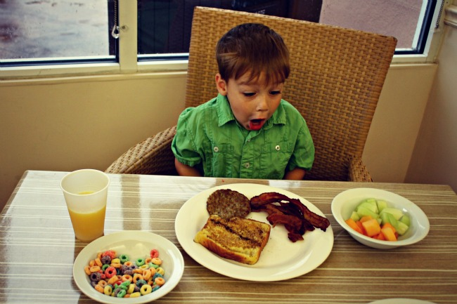 Tampa Embassy Suites Breakfast