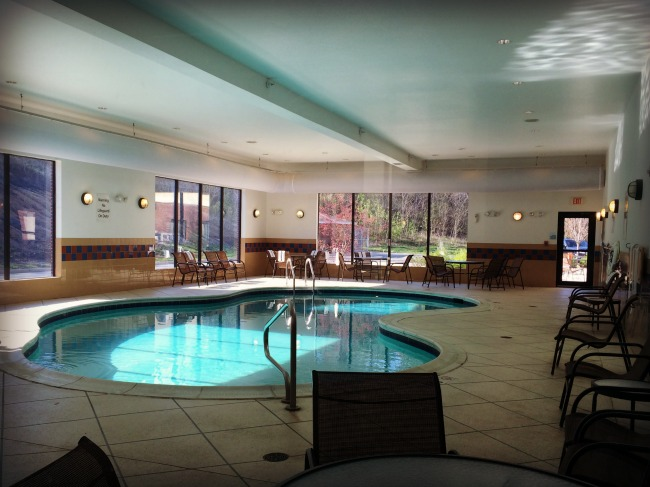 Zanesville Holiday Inn Express Pool