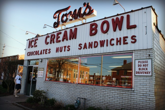 Tom's Ice Cream Bowl Zanesville