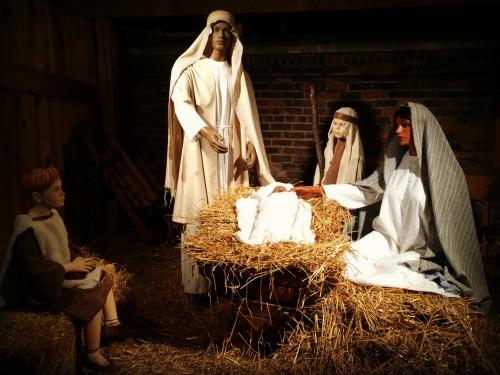 a-franciscan-christmas-church-creche